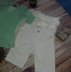 Seven7 White Bermuda shorts -NWOT